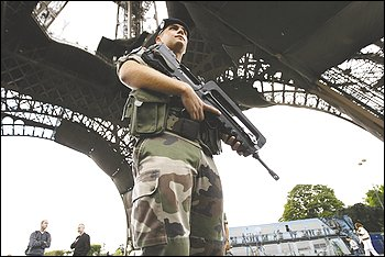 Paris_gendarme